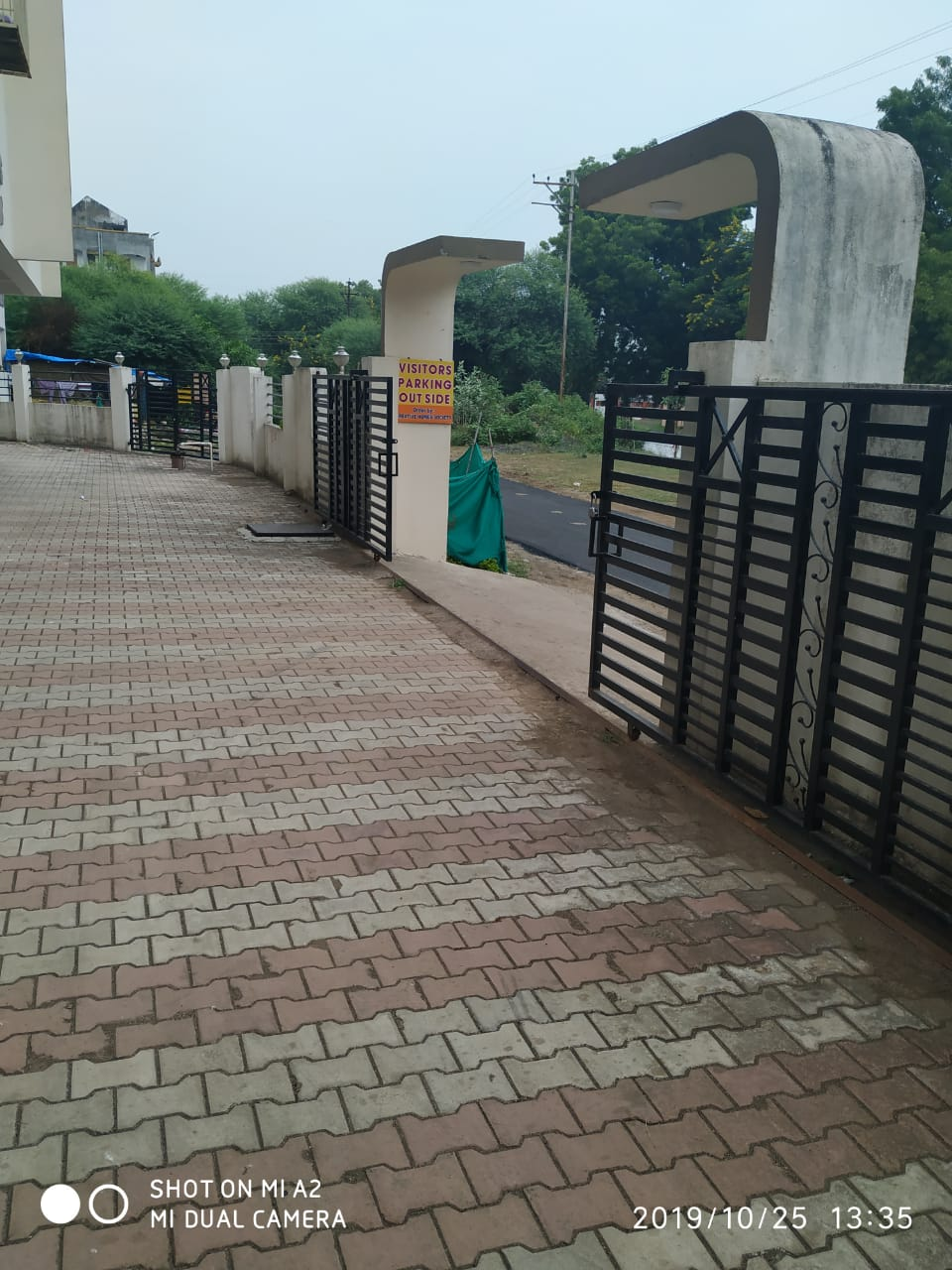 3BHK Flat in Friends Colony