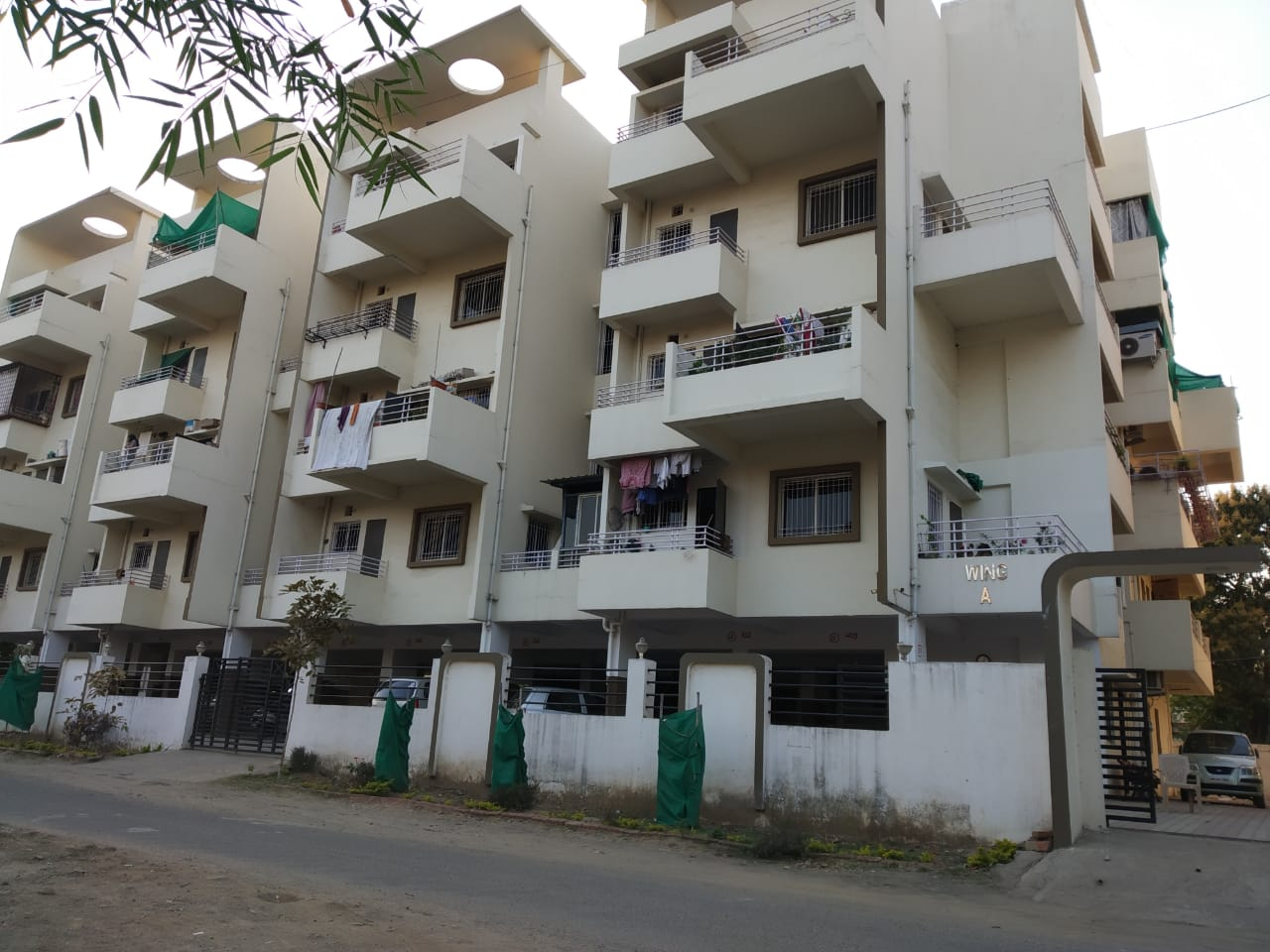 2BHK Flat in Friends Colony