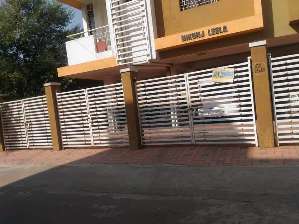 Flats in Friends Colony