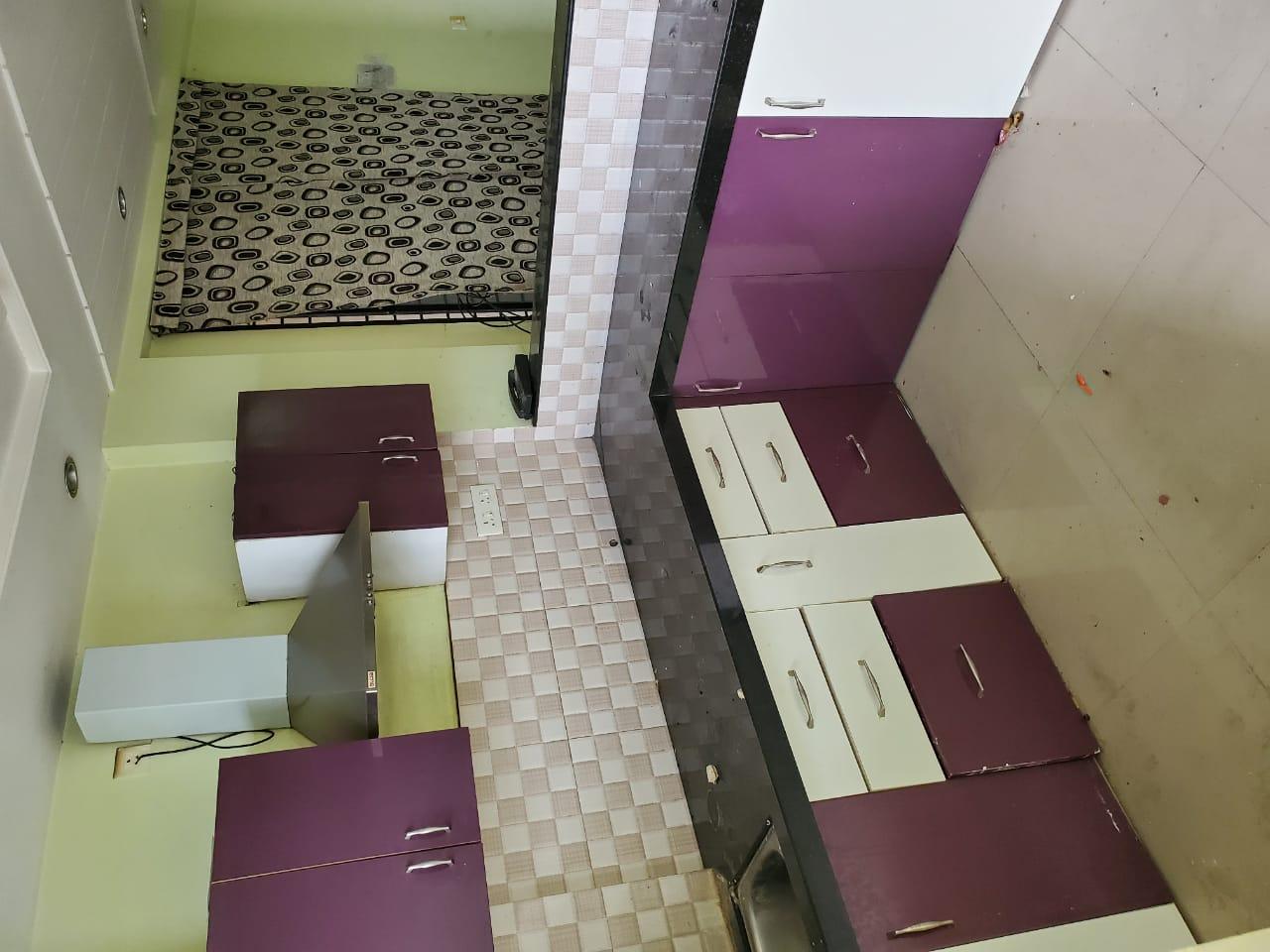 Flat in Mankapur Road