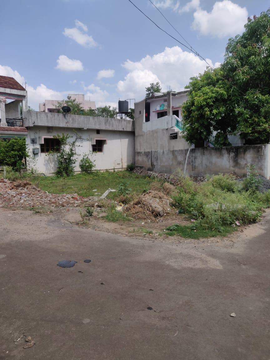 Plot in Gadge Nagar