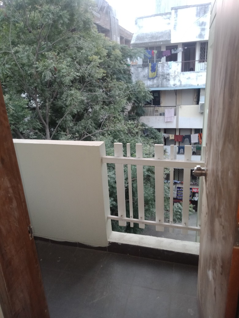 Flat in Vaishali Nagar
