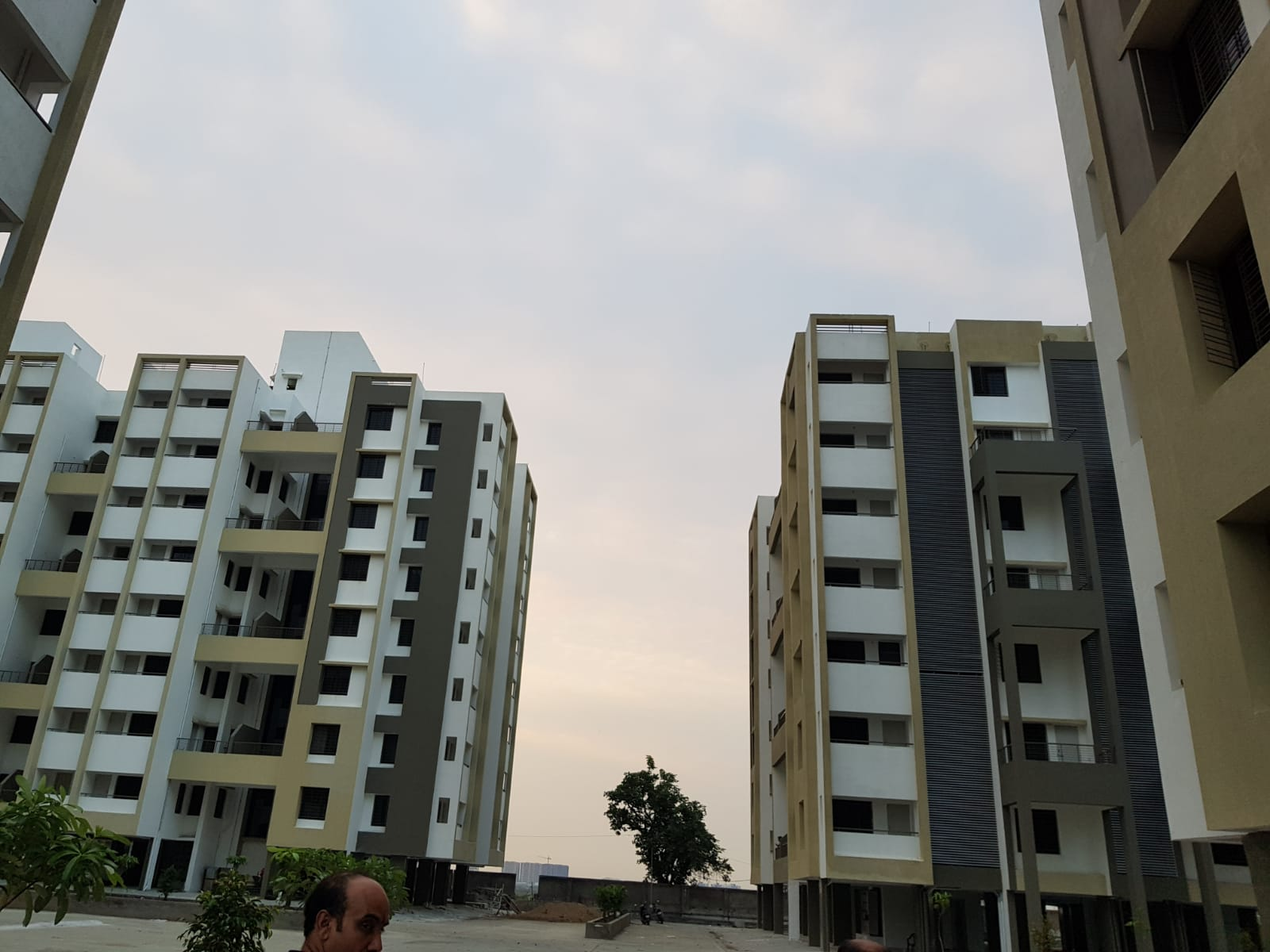 Flat in Wardha Road