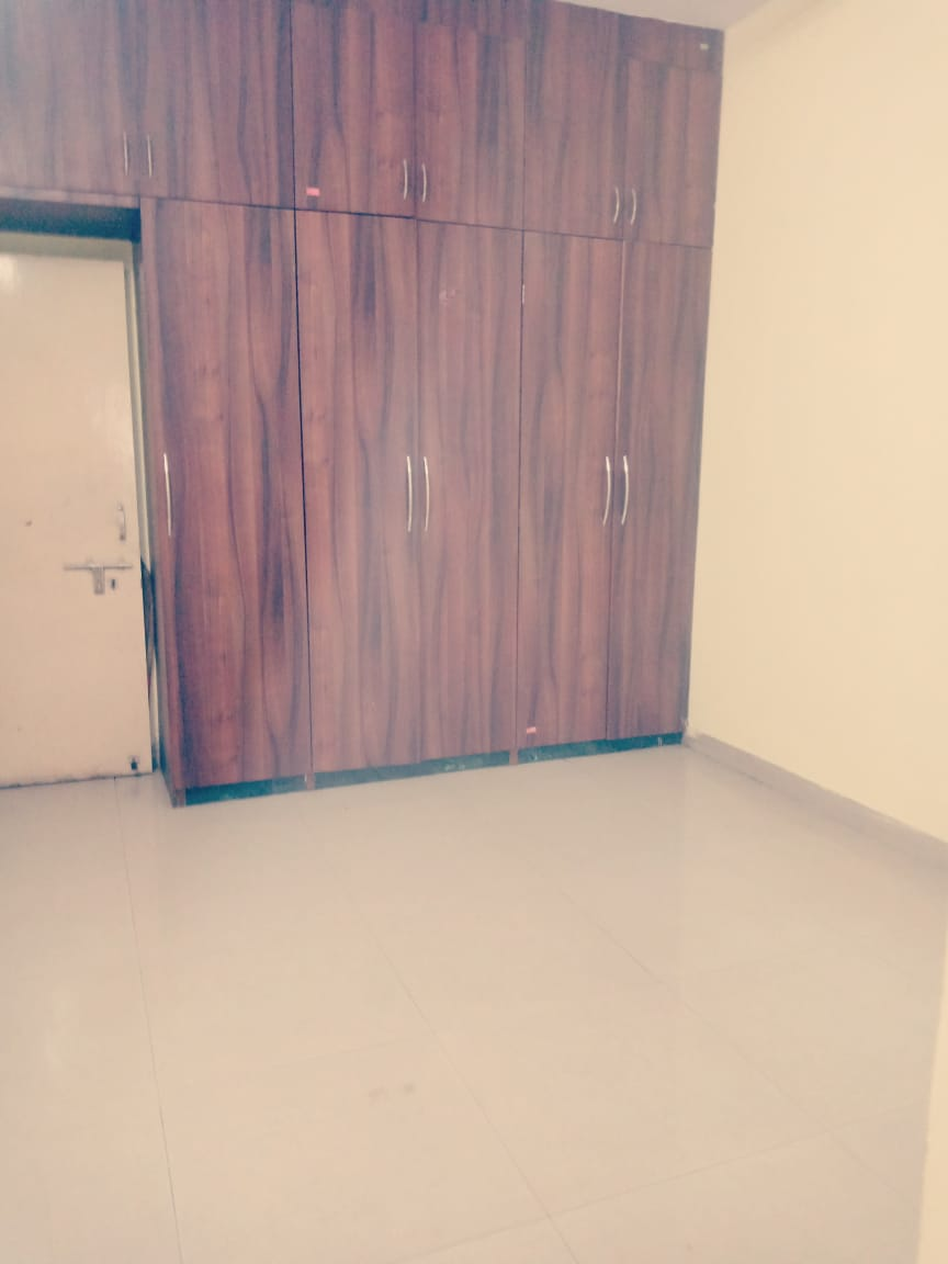 Flat in Badkas  Chowk