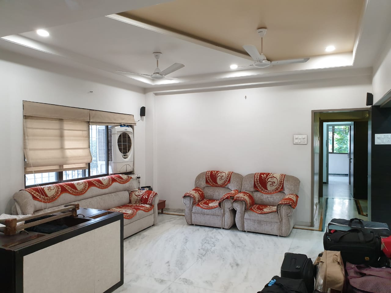 Flat in Madhuvanti