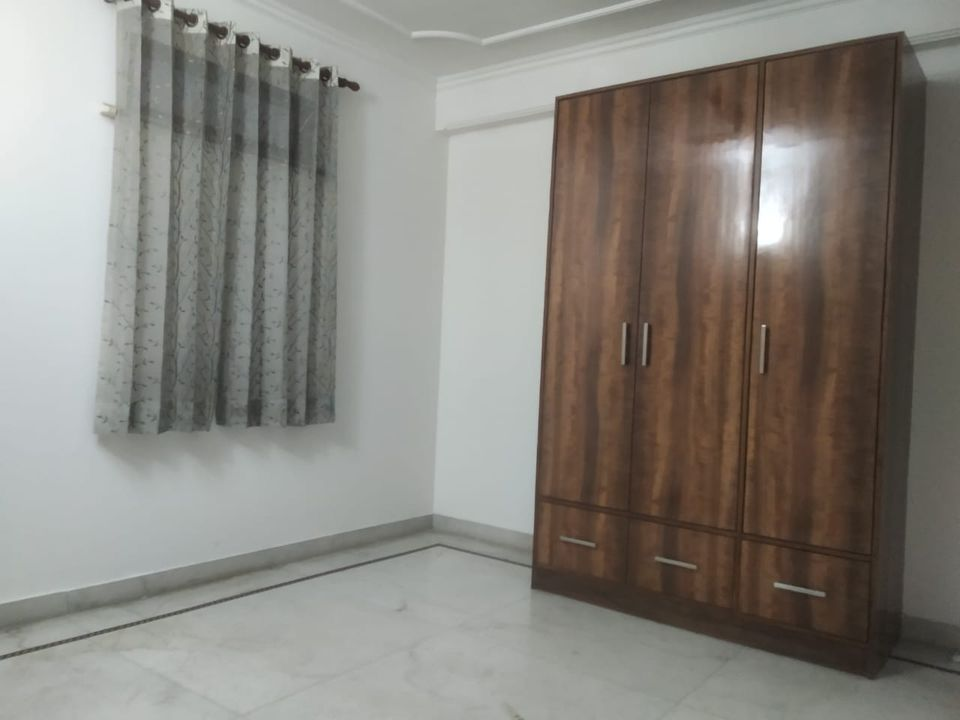 Flat in Saket Metro Station
