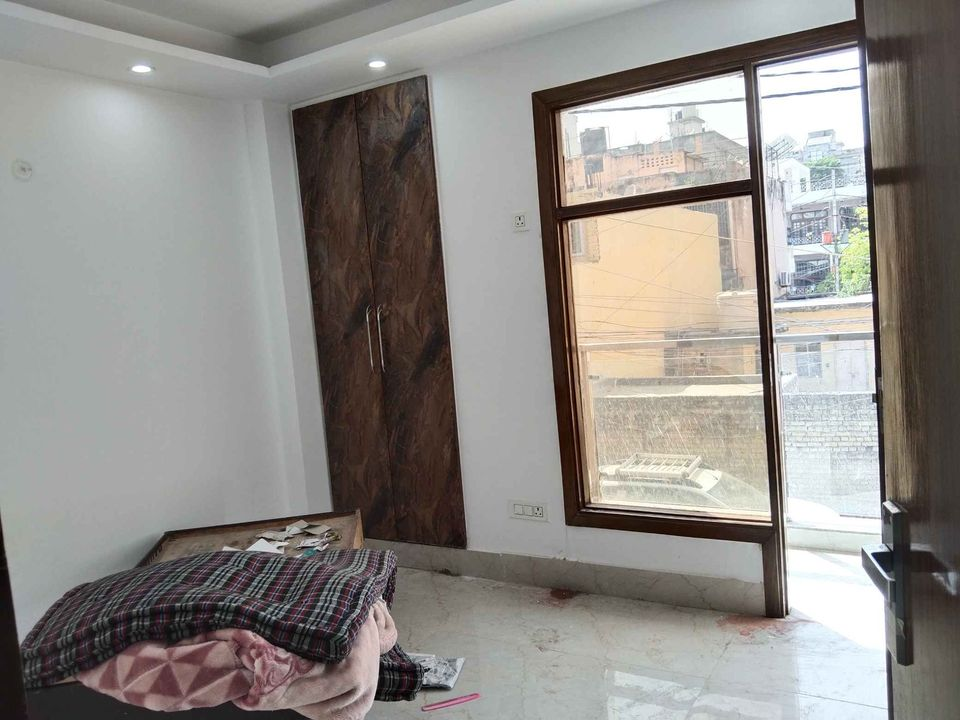2BHK Flat in Saket Metro Station