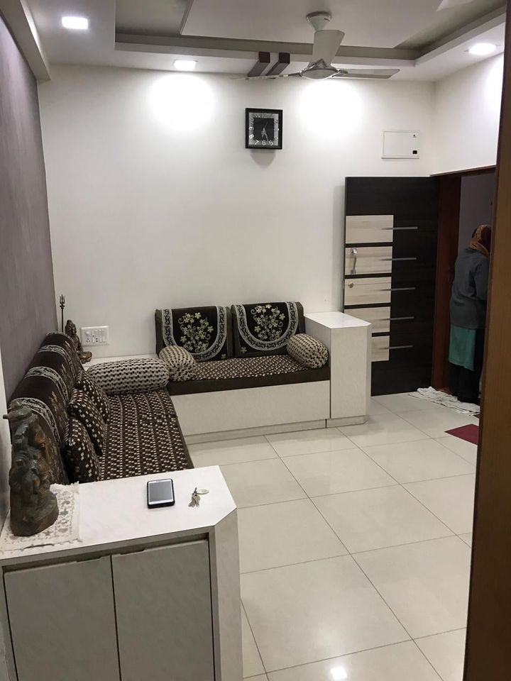 Fully Furnished Flat in Vastrapur